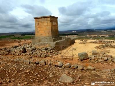 Yacimiento Numancia y Villa Almazán;canto cochino experiencias madrid caras de buendia